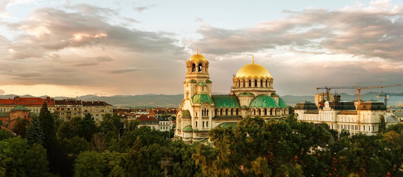 bulgaria_sofia_alexander_nevski_cathedral_panorama_istock_000025118398large.jpg