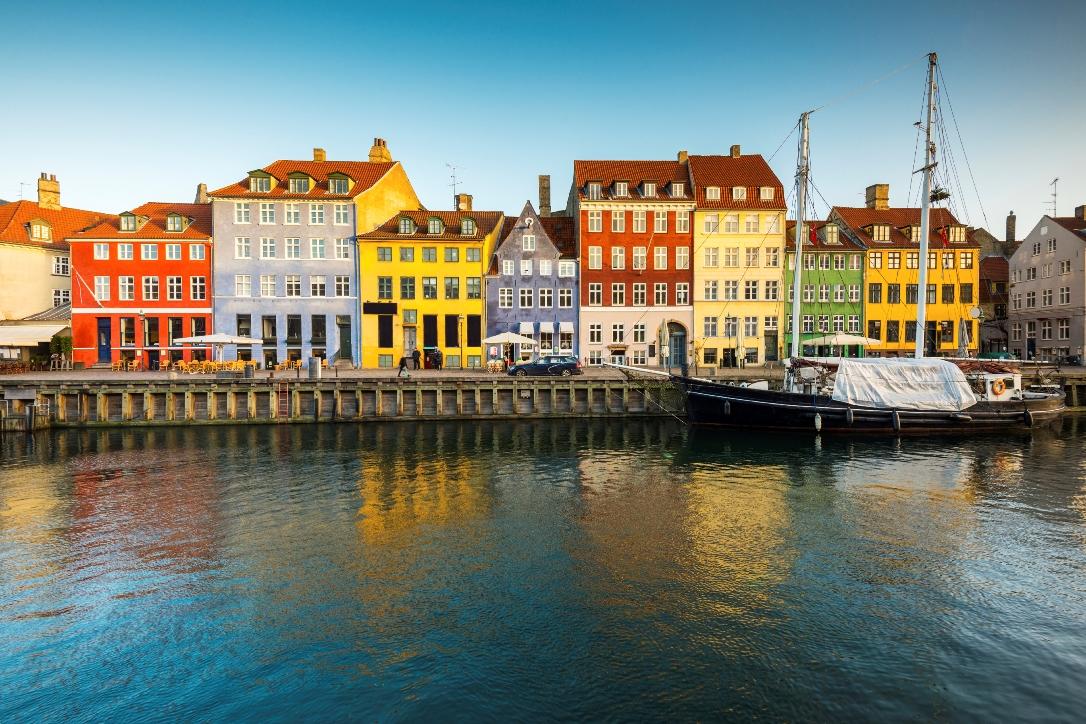 denmark_copenhagen_nyhavn_istock_000033980226large.jpg