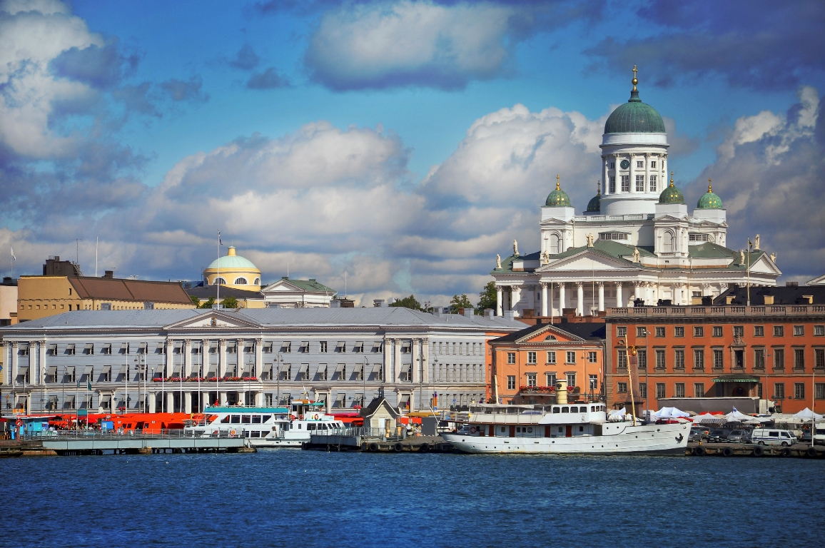 finland_helsinki_historical_view_istock_000013606086large.jpg