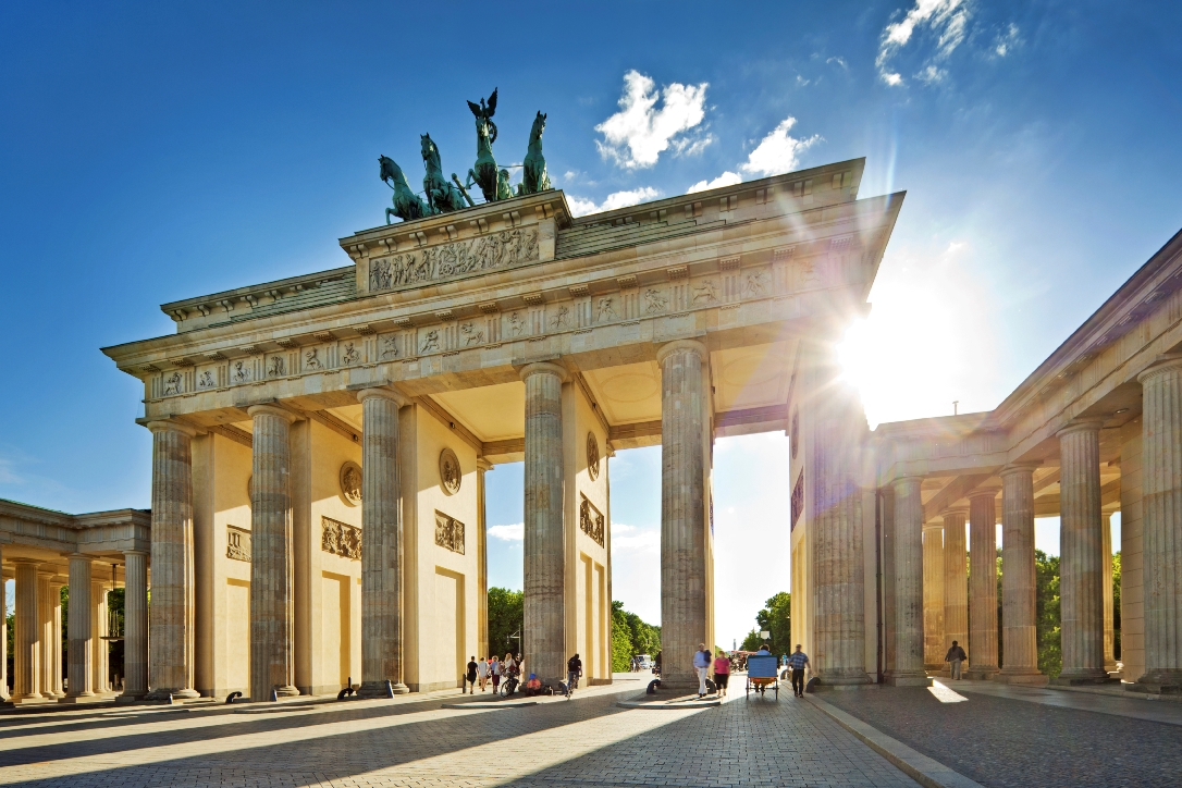 germany_berlin_brandenburg_gate_istock_000013951006large.jpg