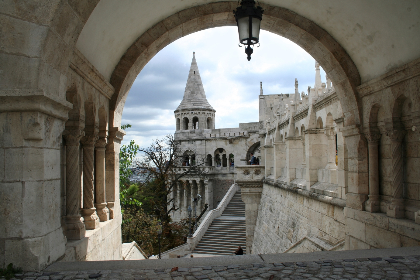 hungary_budapest_fishermans_bastion_istock_000002495672large.jpg