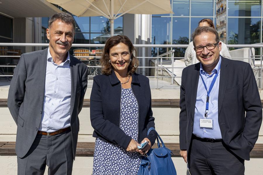 Gerd-Oskar Bausewein, Head of Department for Communication, Cedefop, Niovi Ringkou, Head of the EC Representation in Greece and Cedefop Executive Director Jürgen Siebel